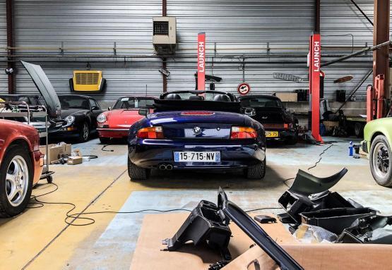BMW Z3 en travaux au garage PN CLASSIC